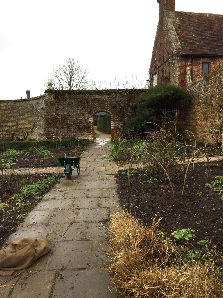 TO SISSINGHURST – IN JANUARY – TO ADMIRE THE ROSES | The Dahlia Papers